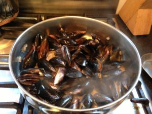 Mussels in Pesto Sauce Recipe